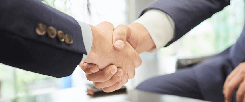 握手の光景