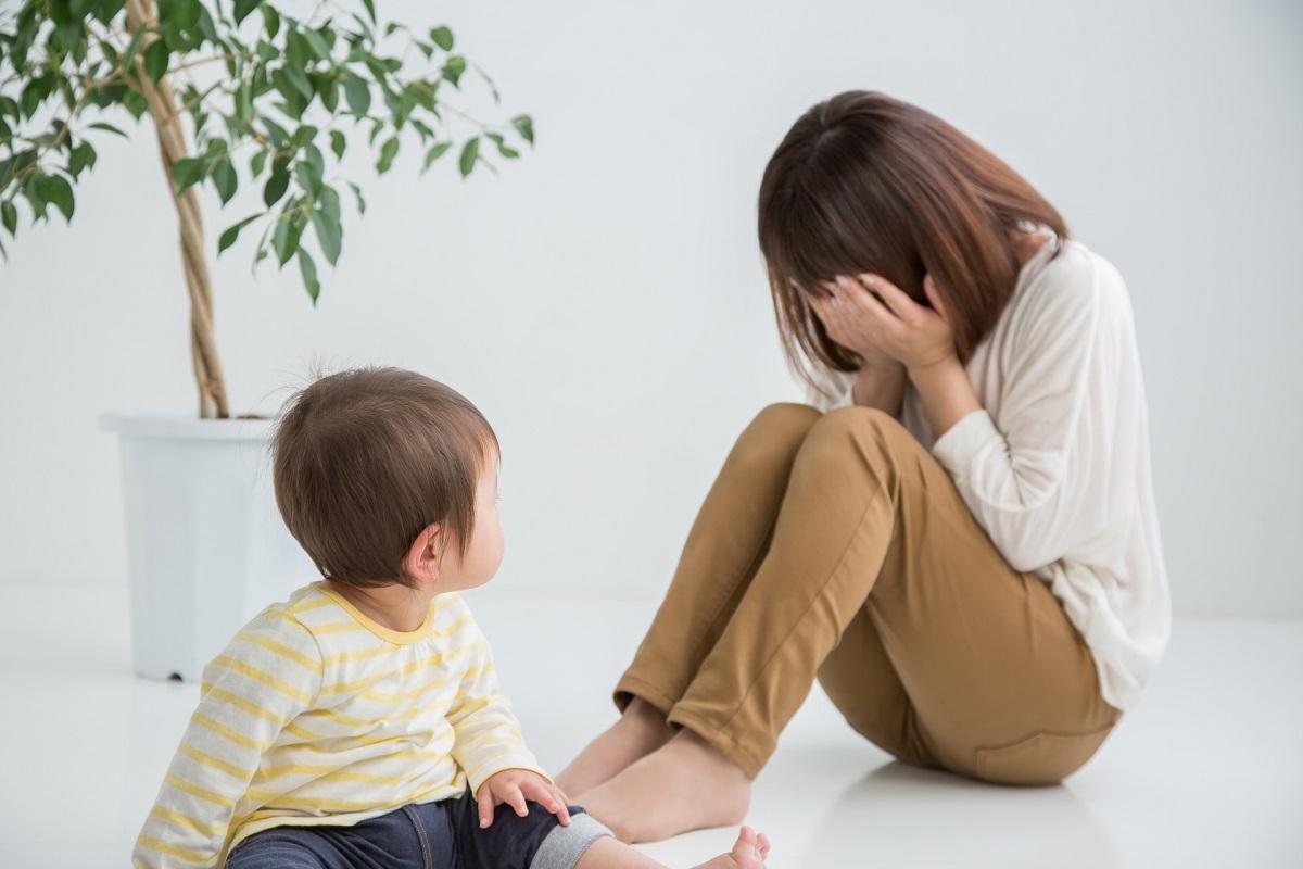 子供 母親 泣く