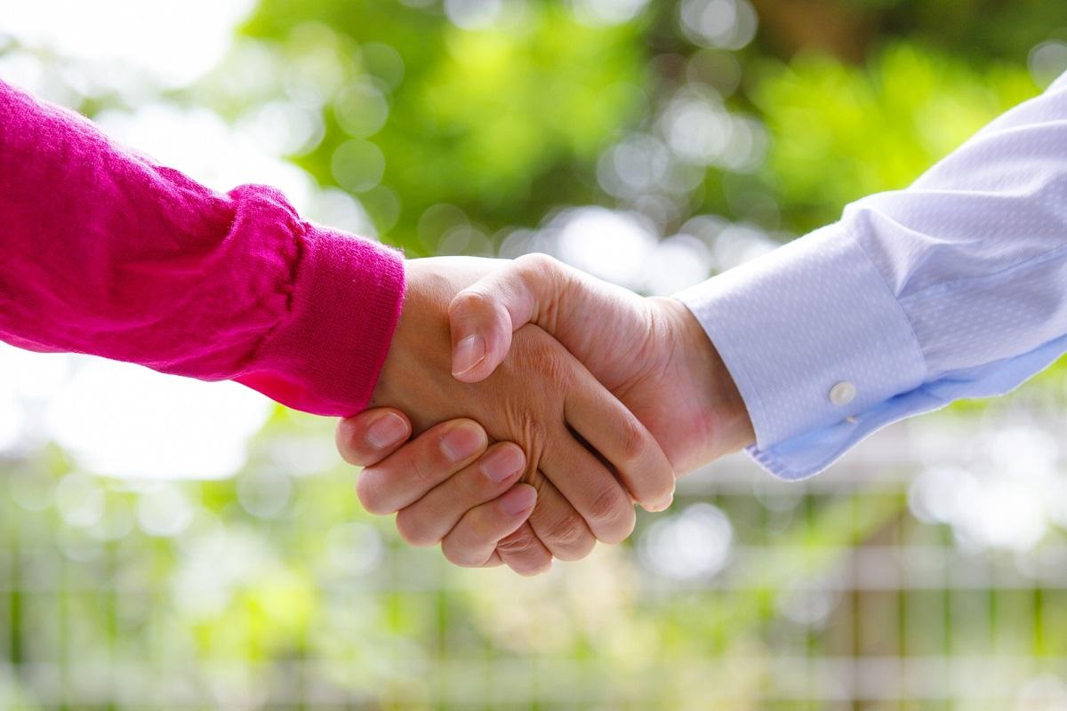 握手 夫婦